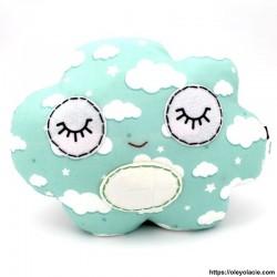 Coussin nuage vert - 1 - Coussins nuage - Coussin nuage vert - Oley Ola cie ® vert et ses nuages -