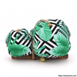 Couple 2 hiboux LM coloris vert Personnalisation offerte - Hiboux posés sur une branche à suspendre. Fabrication artisanale