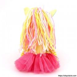 Licorne en tissu coloris jaune - 2 - Poupées Licornes - Licorne en tissu - Oley Ola cie ® jaune yeux fermés -