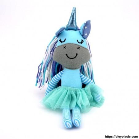 Licorne en tissu bleu - 1 - Poupées Licornes - Licorne en tissu - Oley Ola cie ® bleue yeux fermés -