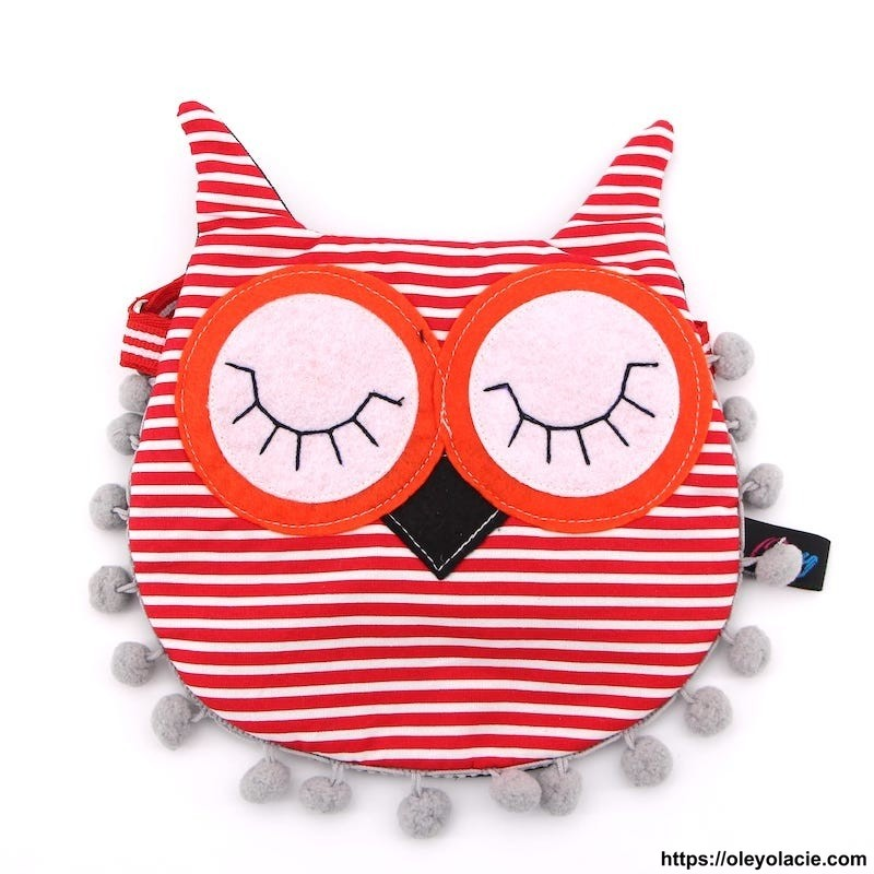 Besace hibou yeux fermés coloris rouge - Oley Ola cie ®